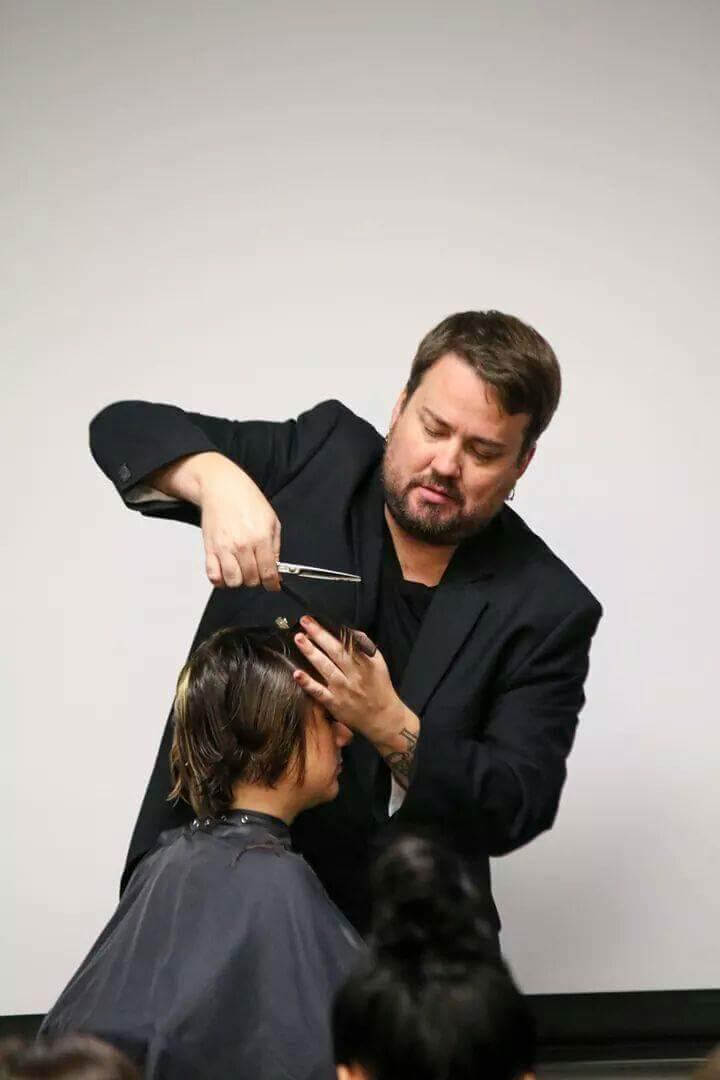 How To Choose A New Hairstylist Salon Nouveau
